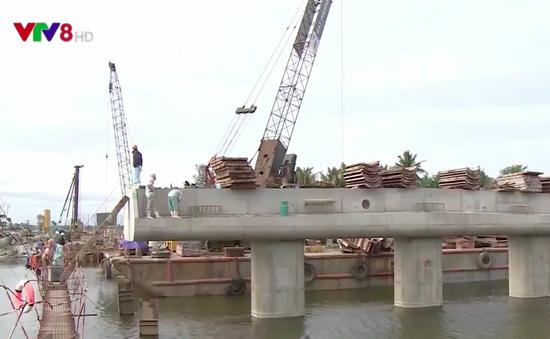 """Công trình đường dẫn cầu Cửa Đại """"chạy đua"""" tiến độ"""