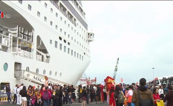 Đà Nẵng đón chuyến tàu biển du lịch đầu năm mới 2018