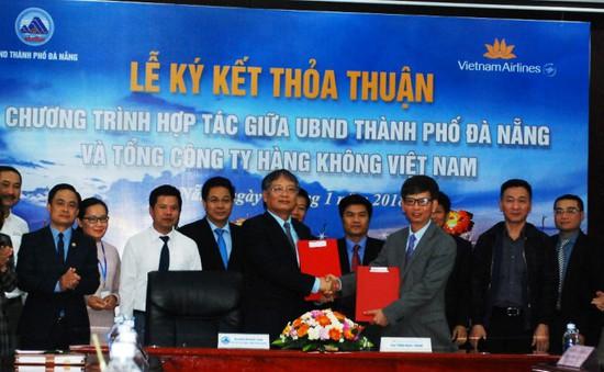 Đà Nẵng và Vietnam Airlines ký kết hợp tác xúc tiến du lịch