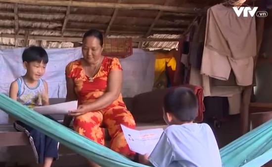 Cặp lá yêu thương: Quyết tâm cho hai cháu ngoại được đến trường