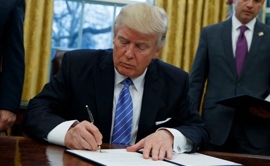 Mỹ: Tổng thống Trump ký sắc lệnh đưa Internet tốc độ cao tới nông thôn