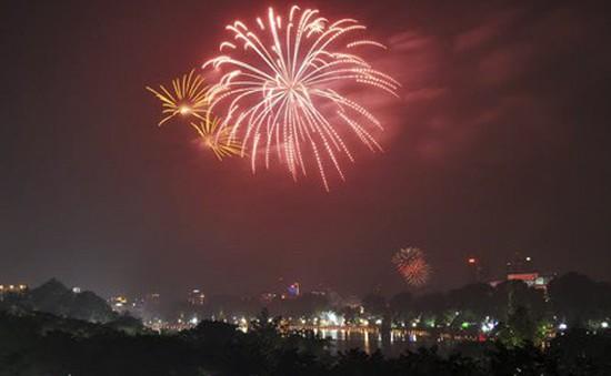 Hà Nội sẽ bắn pháo hoa tại 30 điểm dịp Tết Nguyên đán 2018