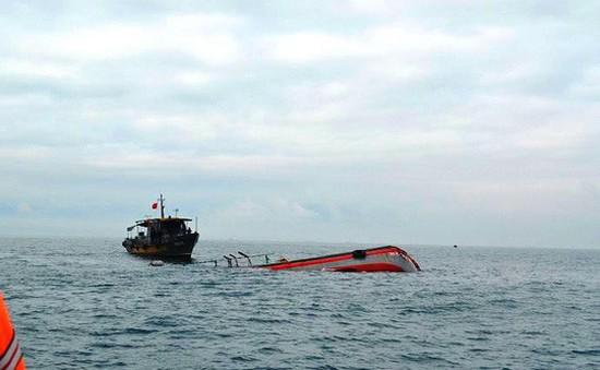 Tàu hàng đâm chìm tàu cá khiến 15 ngư dân suýt thiệt mạng