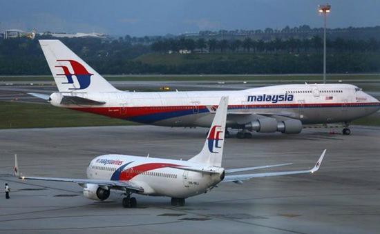 Máy bay của Malaysia hạ cánh khẩn cấp vì rung lắc