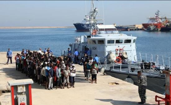 Libya giải cứu 140 người di cư bất hợp pháp trên biển