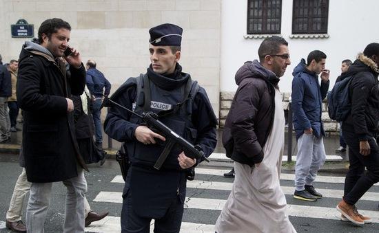 Pháp cảnh báo nguy cơ khủng bố trong nước