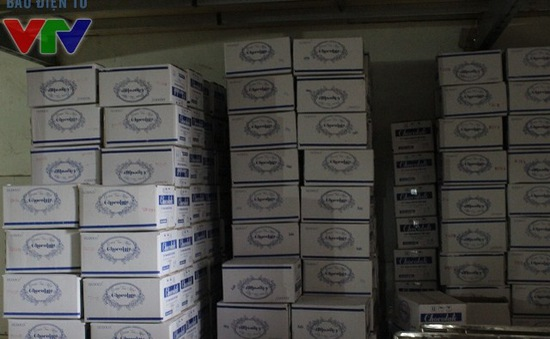 Hà Nội: Phát hiện gần 4 tấn bánh kẹo ngoại không rõ nguồn gốc