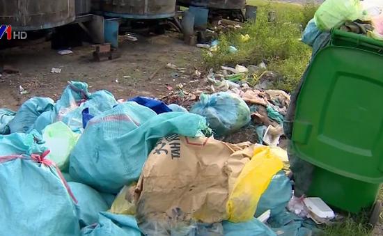 Tiền Giang: Chậm thu gom, hàng trăm tấn rác ứ đọng gây ô nhiễm môi trường