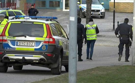 Nổ bên ngoài ga tàu điện ngầm ở Thụy Điển, 2 người bị thương
