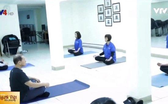 Lớp học Yoga cho người Việt lớn tuổi tại Canada