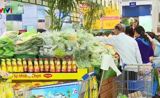 Các siêu thị rầm rộ khuyến mãi dịp Tết Nguyên đán