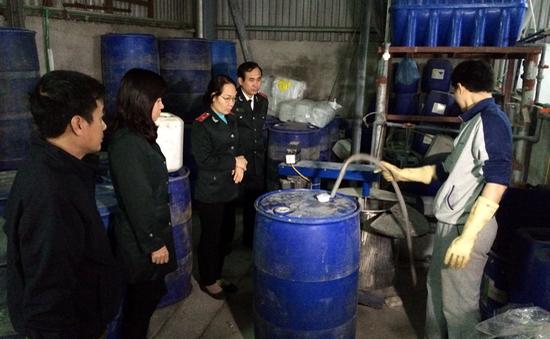 Sở Y tế Hà Nội truy tìm cồn 90 độ nghi gây ngộ độc chết người