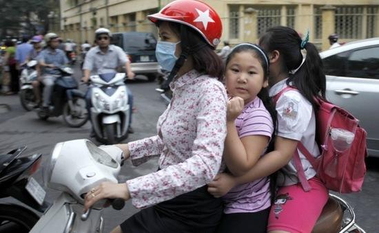 Chỉ 35 - 40% trẻ em đội mũ bảo hiểm