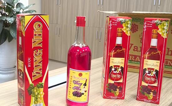 Thâm nhập cơ sở sản xuất rượu Tết siêu tốc, giá siêu rẻ