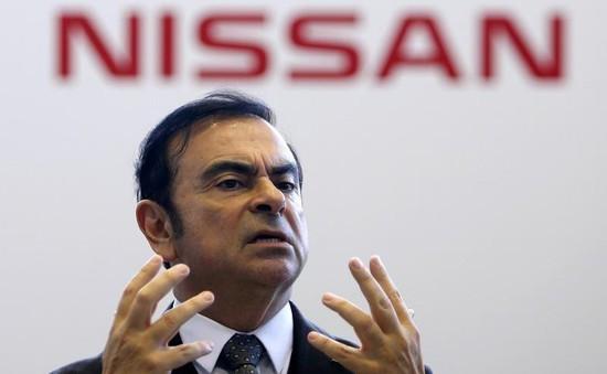 Cựu Chủ tịch Nissan Motor bị tố cáo nhận tiền trái phép