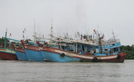 Các tỉnh miền Tây cấm tàu thuyền ra khơi để tránh cơn bão số 1