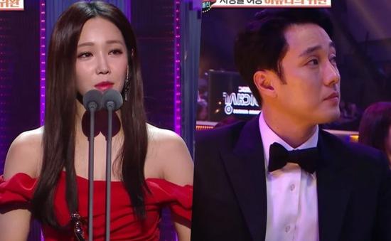 """So Ji Sub - Mỹ nam được """"Ác nữ"""" Lee Yoo Ri chỉ danh muốn đóng phim cùng"""