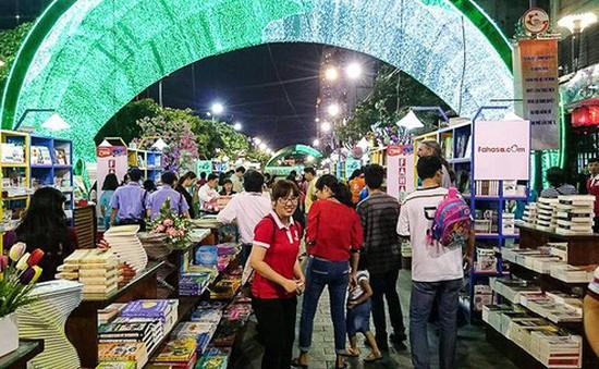 8 đơn vị phát hành sách tham gia thực hiện lễ hội Đường sách Tết Kỷ Hợi