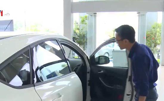 Bao giờ chấm dứt tình trạng mua ô tô bị ép mua phụ kiện?