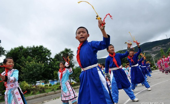 Nhảy flashmob giúp học sinh giảm áp lực học hành