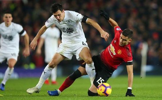 """HLV Solksjaer bảo vệ """"tội đồ"""" Pereira sau trận hòa đầu tiên của Man Utd"""