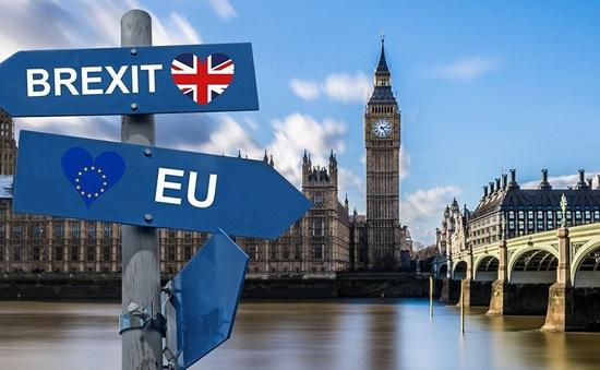 Nước Anh và sự ra đi của bà Theresa May