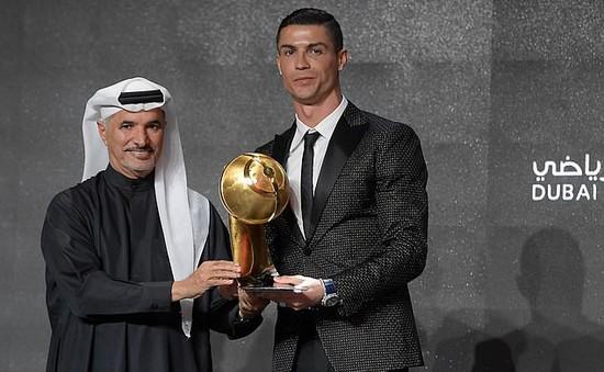 Đánh bại Mbappe và Griezmann, Ronaldo sang Dubai ẵm giải