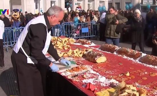 Tây Ban Nha lập kỷ lục chiếc bánh cổ truyền dài nhất thế giới