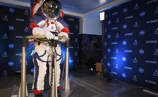 NASA ra mắt mẫu trang phục mới dành cho các phi hành gia