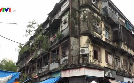 Hiểm họa từ những tòa nhà có nguy cơ đổ sập ở Mumbai, Ấn Độ