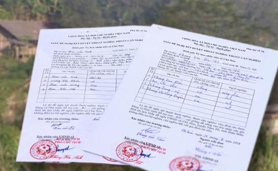 Những lá đơn xin ra khỏi hộ nghèo