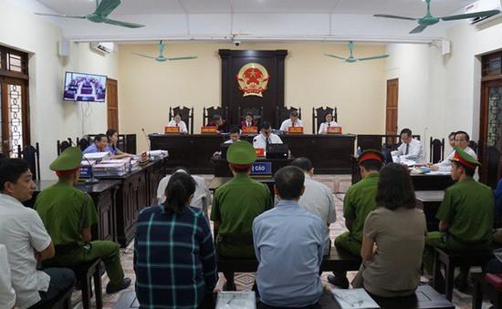 Xét xử vụ gian lận thi cử ở Hà Giang và Sơn La: Không có chuyện nhờ vả nâng điểm mà chỉ nhờ xem điểm?