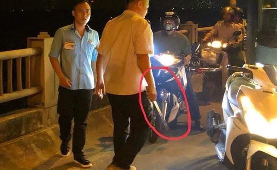 Đình chỉ lái, phụ xe bus bị tố vác tuýp sắt đánh người trên cầu Vĩnh Tuy