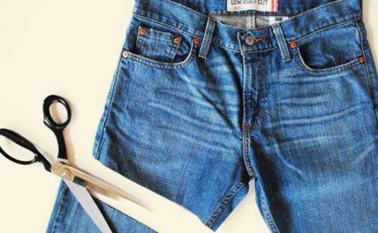Biến tấu chiếc quần jean cũ thành ví cầm tay sang chảnh