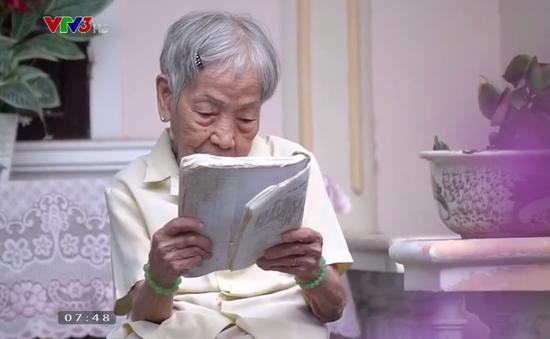 Cụ bà 94 tuổi vẫn tận tụy dạy tiếng Anh miễn phí cho trẻ em nghèo