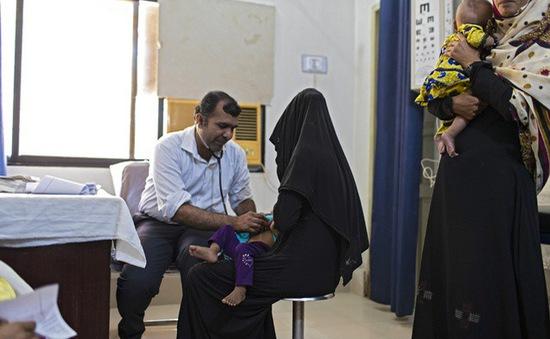 Bác sỹ dùng kim tiêm cũ, gần 900 trẻ em Pakistan nhiễm HIV