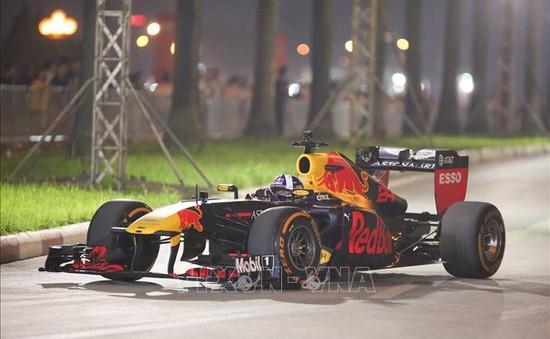 Cấm xe trên nhiều tuyến phố Hà Nội để thi công đường đua F1