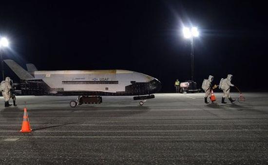 Máy bay vũ trụ bí ẩn của Mỹ hạ cánh sau 780 ngày kỷ lục trên quỹ đạo