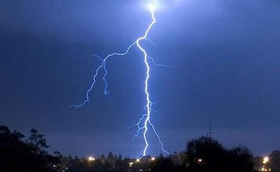 3 người thiệt mạng do mưa giông ở Bắc Bộ và Bắc Trung Bộ