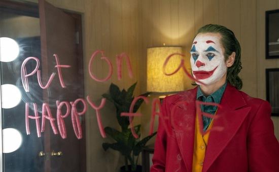 Thoát bóng gã hề phản diện của Batman, Joker (2019) phản chiếu mặt điên loạn của xã hội đến ám ảnh