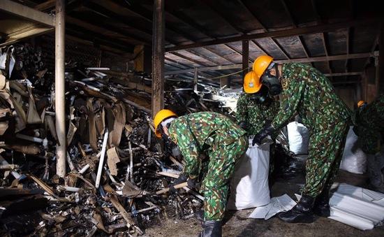 Kết thúc quy trình tẩy độc tại Công ty Rạng Đông
