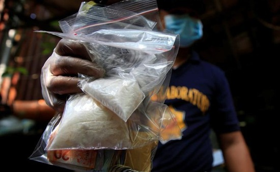 Cảnh sát Philippines bị nghi bán ma túy bị tịch thu