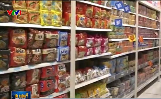 Kinh tế khó khăn, người dân Trung Quốc đua nhau mua mì tôm