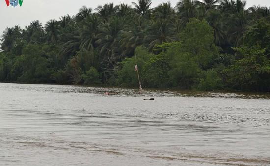 Khẩn trương điều tra, xác định nguyên nhân vụ chìm sà lan trên kênh Chợ Gạo