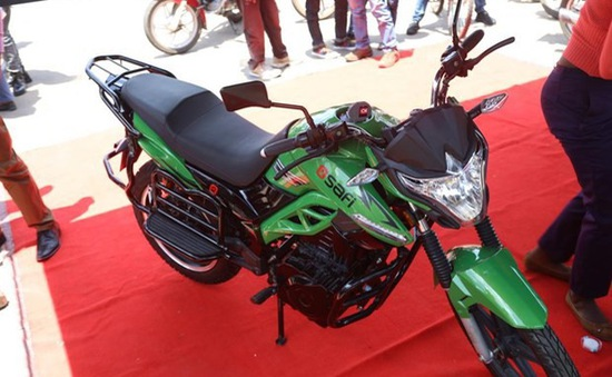 Ra mắt dịch vụ chia sẻ xe máy điện đầu tiên tại châu Phi
