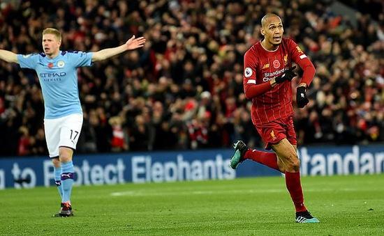 Mourinho chỉ cho Pep Guardiola sai lầm trong trận thua Liverpool