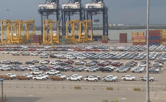 Lượng xe con nhập về Việt Nam tăng 150%
