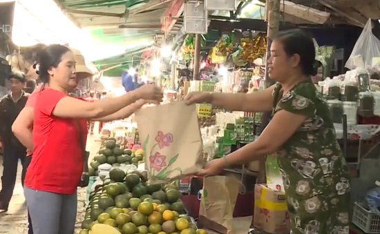 Chợ truyền thống nói không với túi ni lon