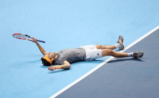 Quật ngã Novak Djokovic, Dominic Thiem lọt vào bán kết ATP Finals