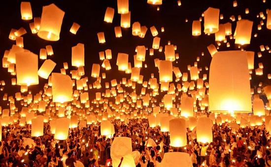 Rực rỡ lễ hội thả đèn trời tại Thái Lan